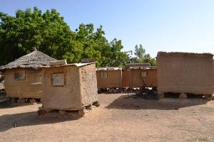 Des greniers d'une seule famille à Kondia au Mali