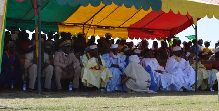 Les autorités sur place à la cérémonie à Diafarabé